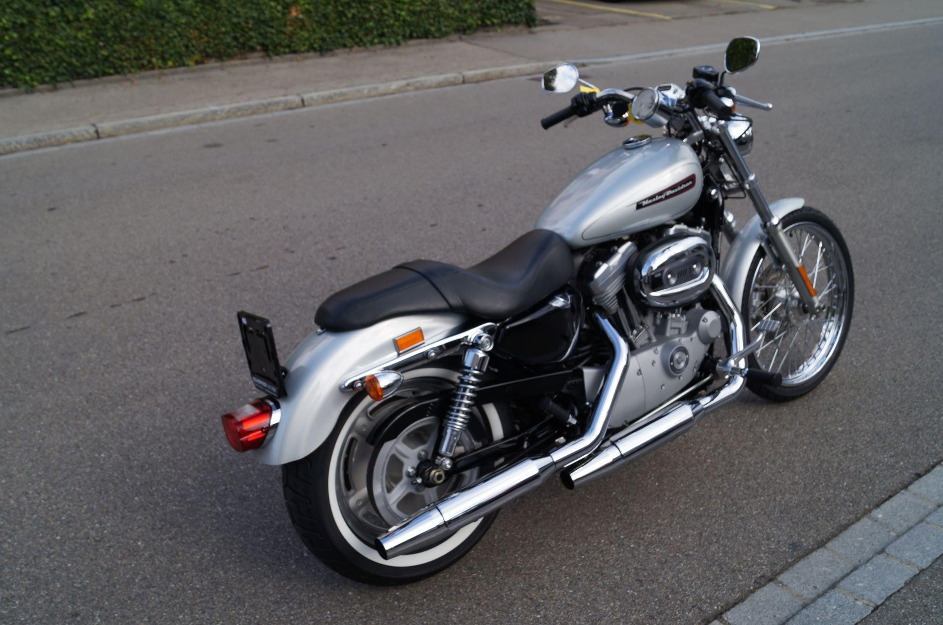 motorrad occasion kaufen harley davidson xl 883c sportster custom scherrer motos ag steckborn. Black Bedroom Furniture Sets. Home Design Ideas