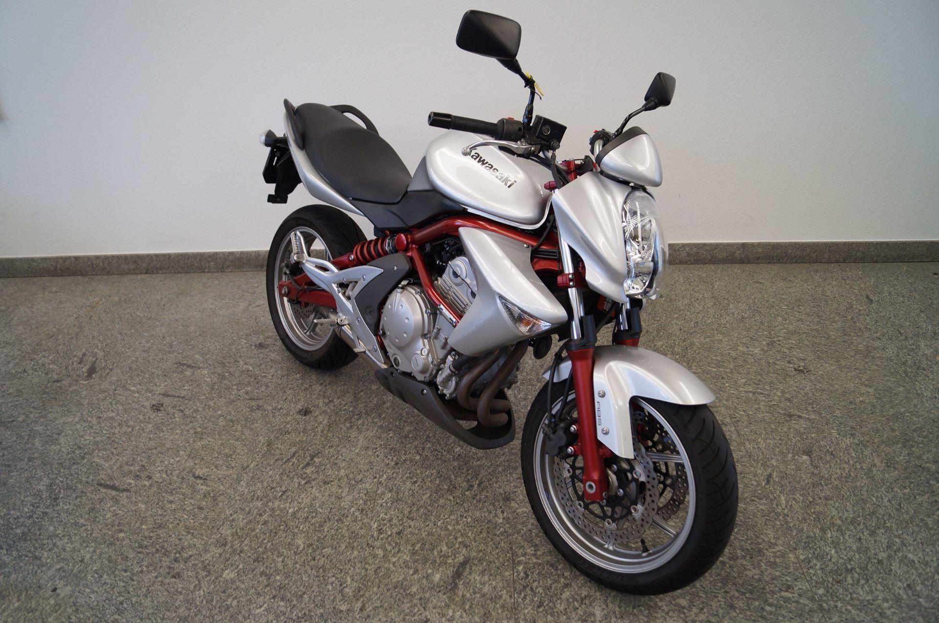 motorrad occasion kaufen kawasaki er 6n abs scherrer motos ag steckborn. Black Bedroom Furniture Sets. Home Design Ideas