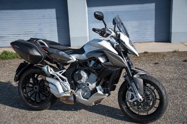 Motorrad kaufen MV AGUSTA Stradale 800 ABS Occasion