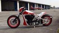 Töff kaufen CLASSIC CYCLES Bobber 1801 Patrouille Suisse Custom