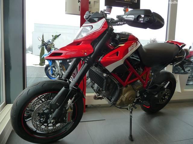 Motorrad kaufen DUCATI 1100 Hypermotard Evo SP Vorjahresmodell