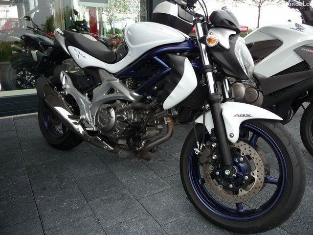 Motorrad kaufen SUZUKI SFV 650 A ABS Gladius Occasion