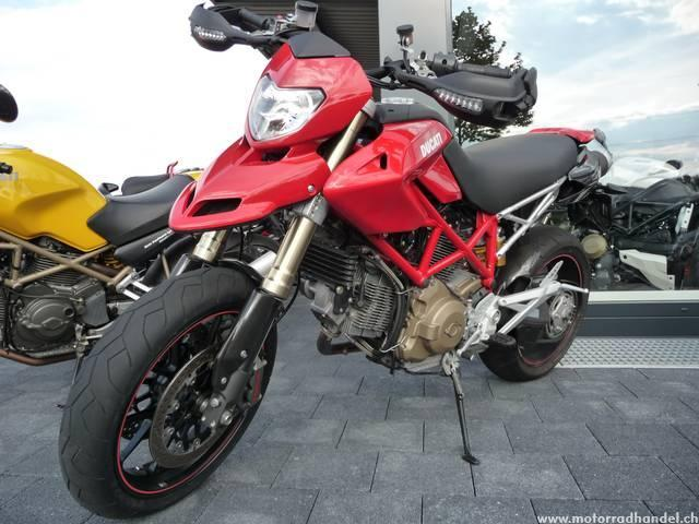 Motorrad kaufen DUCATI 1100 Hypermotard S Occasion