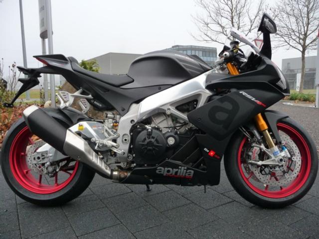 Motorrad kaufen APRILIA RSV 4 RR ABS RACE PACK Neufahrzeug