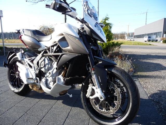 Motorrad kaufen MV AGUSTA Stradale 800 ABS Neufahrzeug