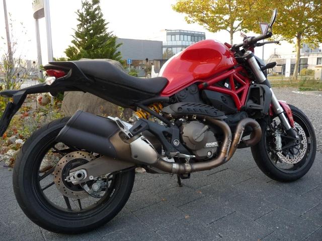 Motorrad kaufen DUCATI 821 Monster ABS 35kW STRIPE Occasion