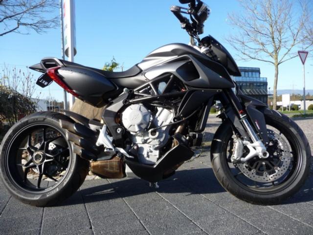 Motorrad kaufen MV AGUSTA Rivale 800 ABS Neufahrzeug