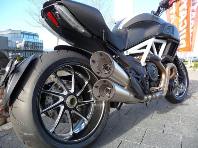 Motorrad kaufen DUCATI 1198 Diavel ABS Carbon Neufahrzeug