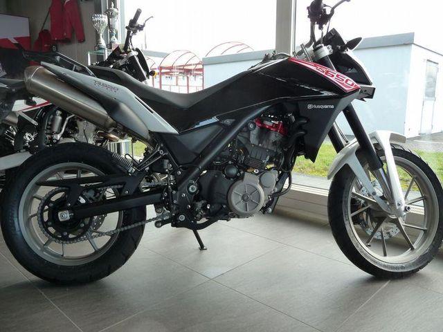 Motorrad kaufen HUSQVARNA 650 TR Strada ABS Neufahrzeug