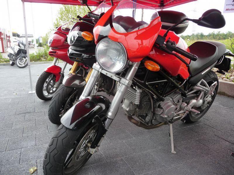 Motorrad Mieten & Roller Mieten DUCATI 800 Monster S2R