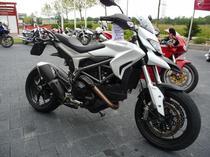 Motorrad Mieten & Roller Mieten DUCATI 800 Hypermotard SP ABS (Naked)