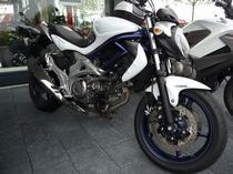 Motorrad Mieten & Roller Mieten SUZUKI SFV 650 A ABS Gladius (Naked)