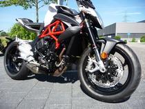 Motorrad kaufen Neufahrzeug MV AGUSTA Brutale 800 ABS (naked)
