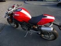 Töff kaufen DUCATI 1100 Monster S Spezial Naked