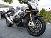 Motorrad kaufen Neufahrzeug APRILIA Tuono V4 1100 Factory ABS (naked)